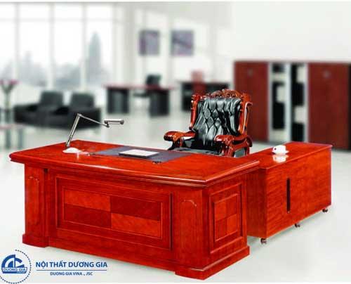 Mẫu bàn giám đốc bằng gỗ Veneer