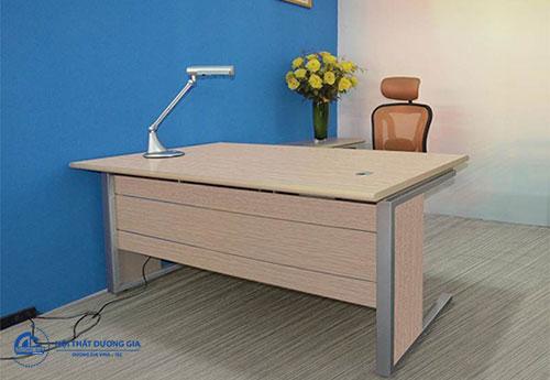 Mẫu bàn Giám đốc giá rẻ, tiện nghi NTP1800C
