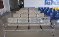 Nên dùng ghế băng chờ bệnh viện bằng chất liệu nhựa hay inox?