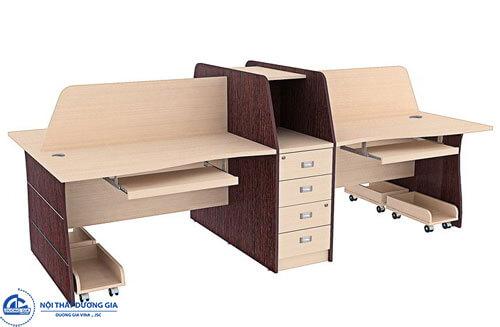 Mẫu bàn làm việc có vách ngăn thiết kế hiện đại HRMD03