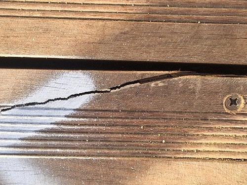 Cách bảo quản gỗ không bị nứt hiệu quả