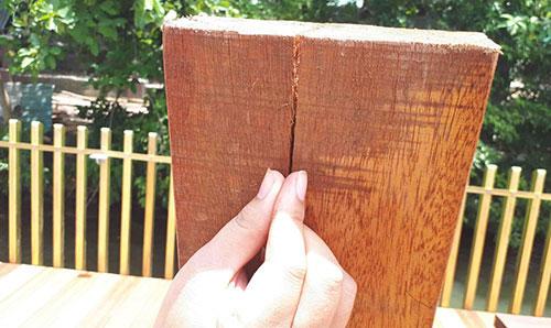 Tại sao đồ gỗ thường bị nứt?