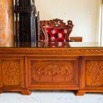 Tư vấn cách lựa chọn bàn Giám đốc gỗ hương như ý?