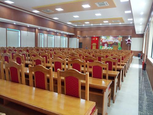 Điểm hạn chế của bàn ghế hội trường bằng gỗ