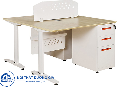 Bàn văn phòng có vách ngăn UNMD05CS3